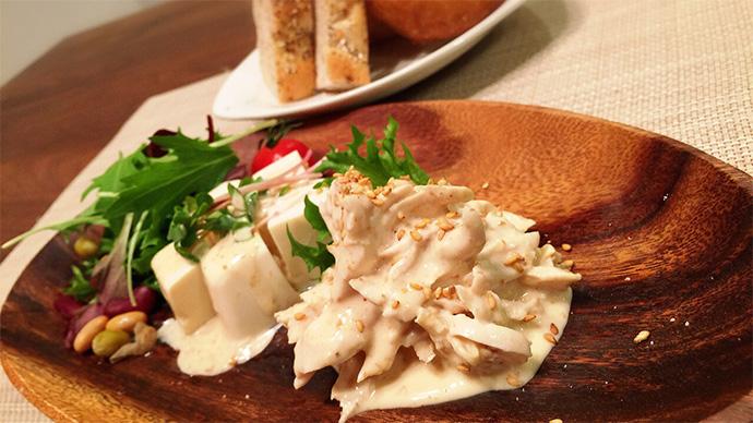一工夫で栄養強化☆ヨーグルトのゴマドレッシングサラダ