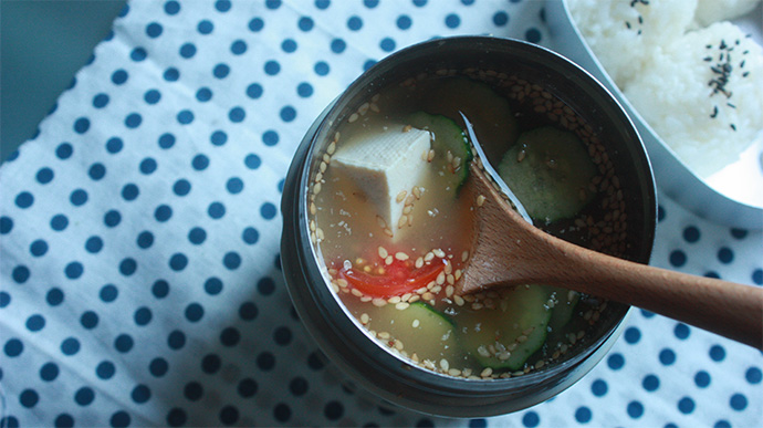 熱中症予防にも☆スープジャーで夏野菜入り簡単冷や汁