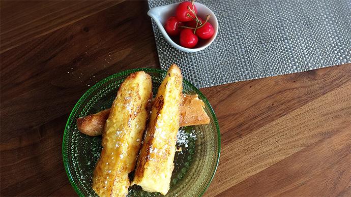 バタバタする練習前にも手軽に食べれる★パリパリスティックのフレンチトースト