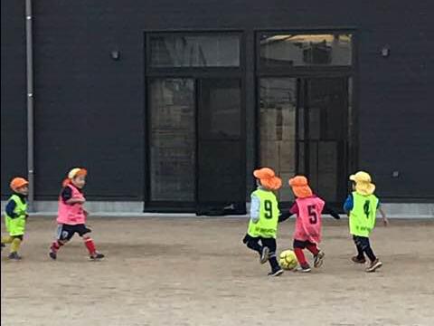 息子のサッカー教室を見学-田代明日香-