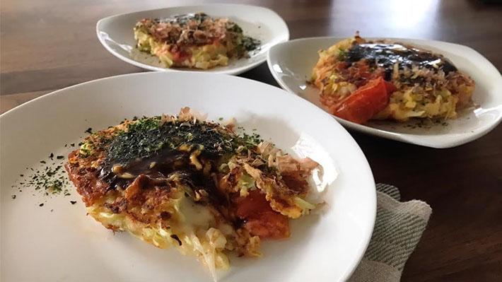 トマトチーズのお好み焼き
