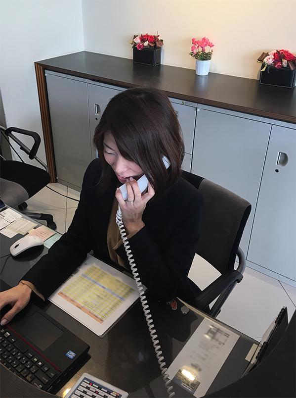 レンタルオフィスで働いている岡村さん