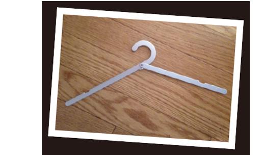無印良品の携帯用アルミ折りたたみ式ハンガー