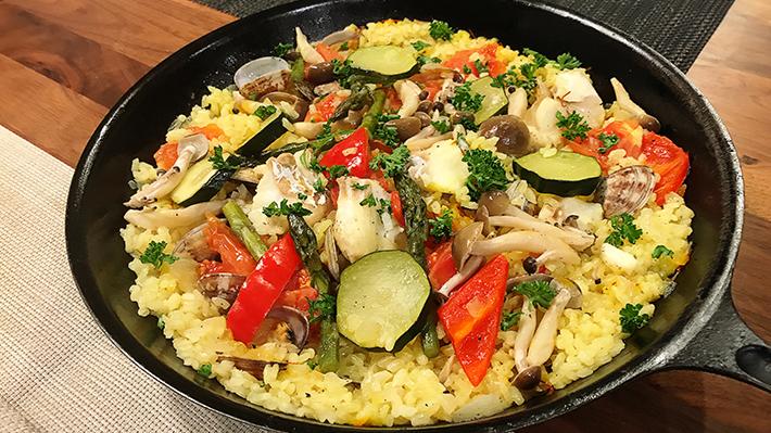 簡単★野菜たっぷりカラフル魚介パエリア