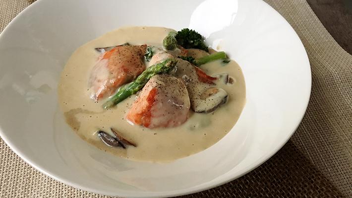免疫力をアップ★鮭とアスパラの豆乳クリームチーズ煮