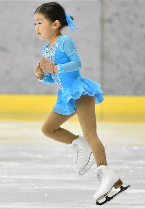 妹のスケート姿