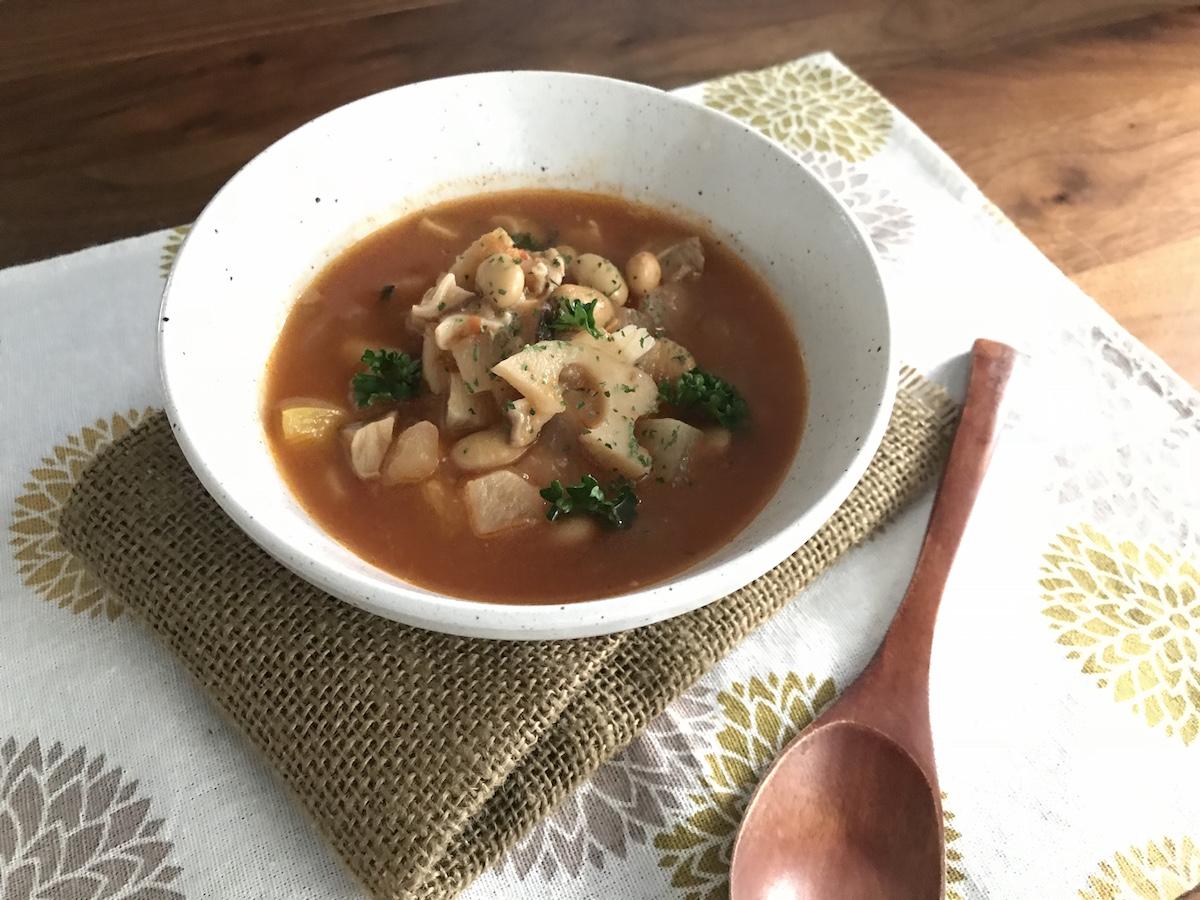 たっぷり野菜とタンパク質がしっかりとれるスープ