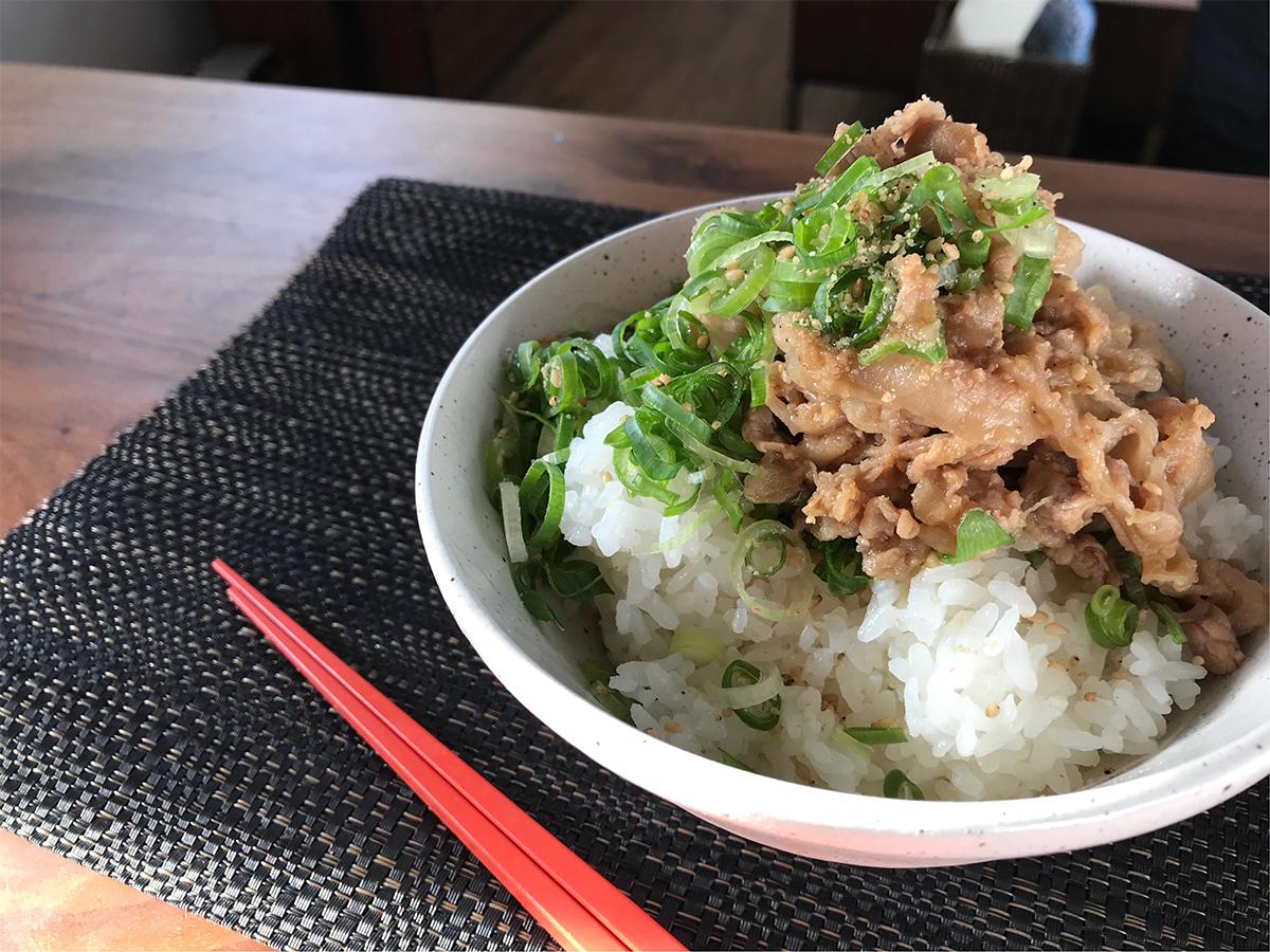 お米がススム!甘辛味噌味の豚丼